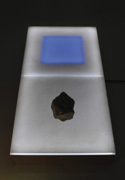 Roberto Rocchi, Paesaggio, 2019, marmo, ferro, pietra, led, cm 75x35x10